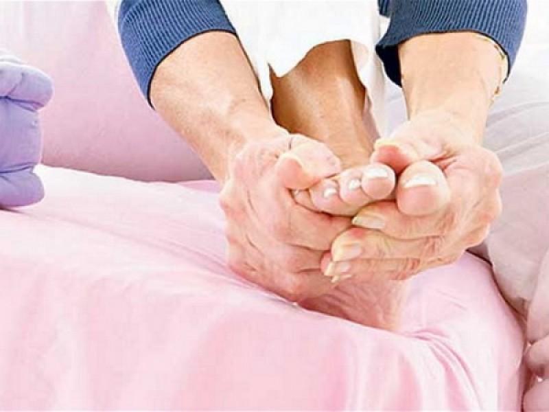 Ce boală anunță furnicăturile și senzația de amorțire de la nivelul picioarelor!