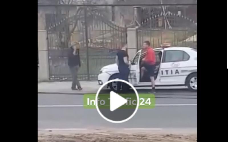 Ce făcea în trafic poliţistul în pantaloni scurţi? Colegii de breaslă îl apără: A evitat producerea unei tragedii