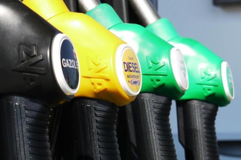 Ce mașină îmi cumpăr în 2019: diesel, benzină sau electrică?