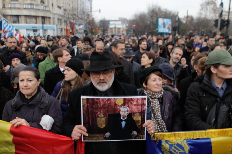 """Ce scrie presa internațională despre funeraliile Regelui. """"Moartea lui vine într-o perioadă de divizare profundă a societății românești"""""""