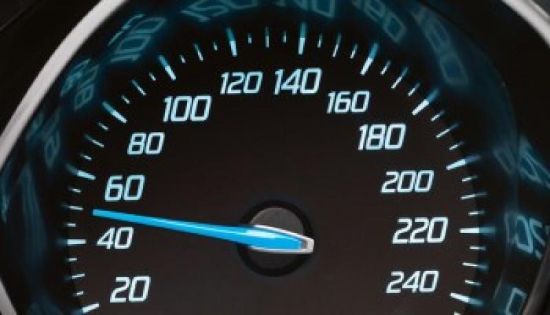 Ce spun specialiștii despre propunerea de creștere a vitezei maxime legale!