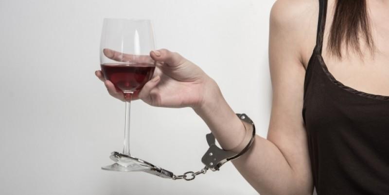 Ce trebuie să știi despre sindromul de abstinență la alcool!