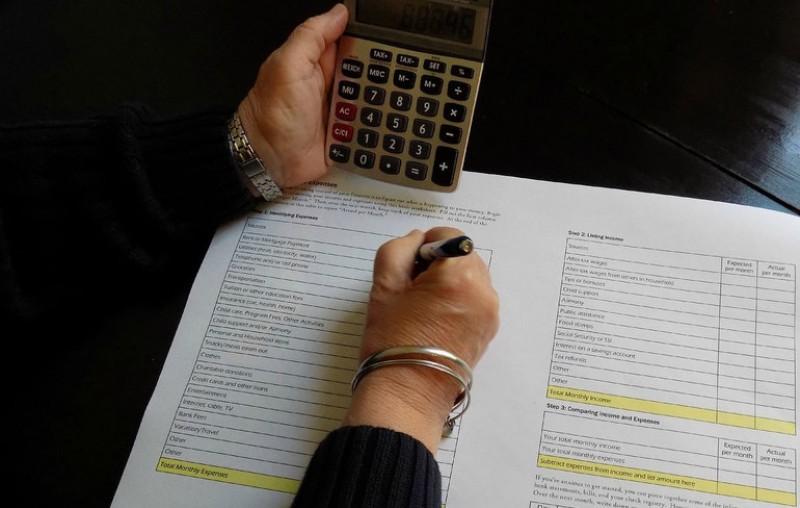 Ceață pentru PFA: Salariul mediu brut care se folosește la calculul plăților anticipate pentru CAS reprezintă încă o necunoscută