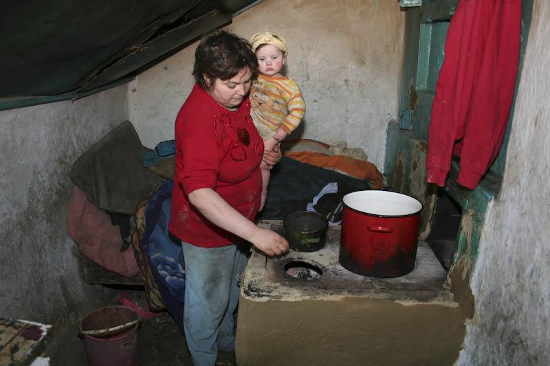 Cei 9 copii din Baiceni vor fi ajutati, dupa mediatizarea cazului pe Stiri Botosani!