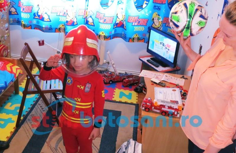 Cel mai mare fan al pompierilor, trezit pe 1 iunie chiar de angajatii ISU Botosani - FOTO