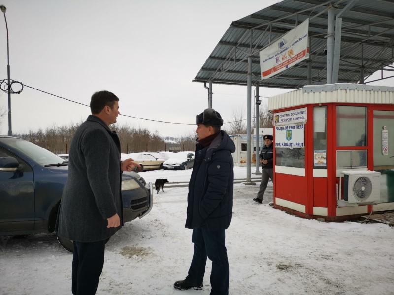 Cele două puncte de trecere a frontierei, monitorizate de autorităţi în contextul apariţiei pestei porcine în judeţ - FOTO
