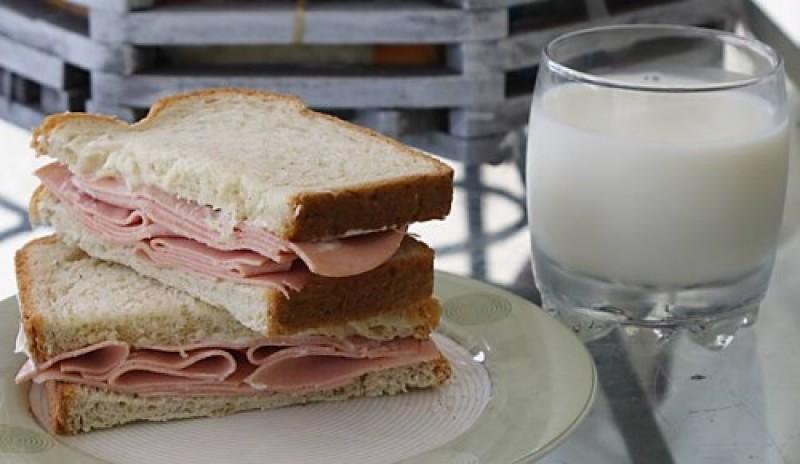 Cele mai nesănătoase combinații de alimente. Cu toții le facem, adesea