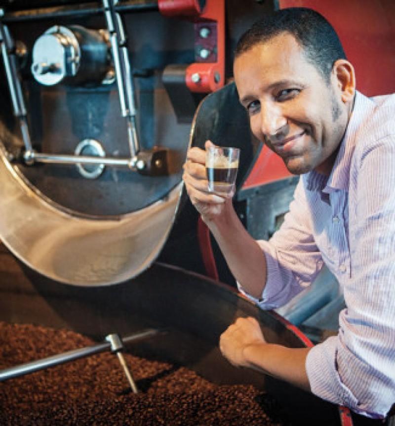 Cele patru lucruri pe care trebuie să le știi despre cafea, explicate de un artizan al cafelei de specialitate din România!