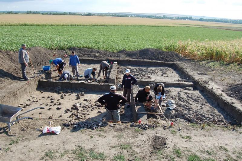Cercetări arheologice inedite în situl eneolitic de la Ripiceni-Holm