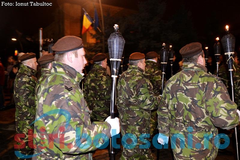 Ceremonial militar și retragere cu torțe de Ziua Armatei, la Botoșani
