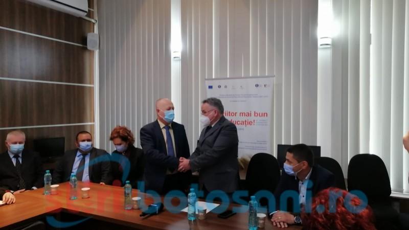 Ceremonie la IȘJ: Noul inspector școlar general a fost numit în funcție (FOTO)