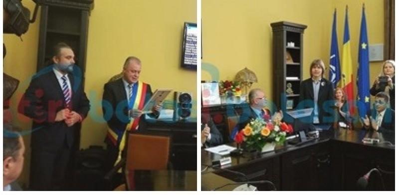 Elevul Ştefan Bălăucă şi profesorul Grigore Luisian, Cetăţeni de onoare ai Municipiului Botoşani, felicitaţi de Ziua Educaţiei -FOTO