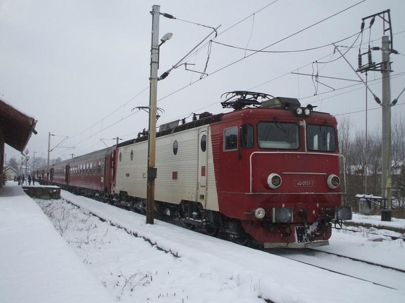 CFR anunță: Trenurile au întârzieri şi de o oră, din cauza condiţiilor meteo!