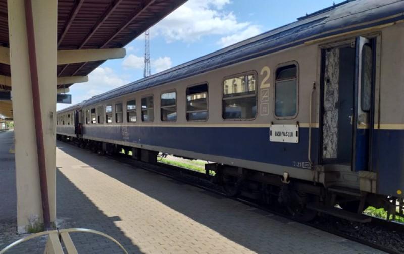 CFR Călători impune o nouă regulă în transport pentru situația de urgență: un loc liber, un loc ocupat