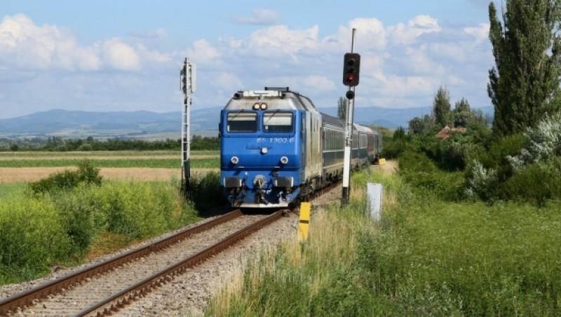 CFR: Viteza de circulaţie a trenurilor ar putea fi redusă pe unele tronsoane cu 20-30 km/h, din cauza căldurii
