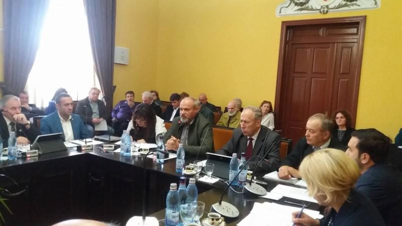 Chetă publică propusă de un consilier local pentru salvarea Teatrului M. Eminescu