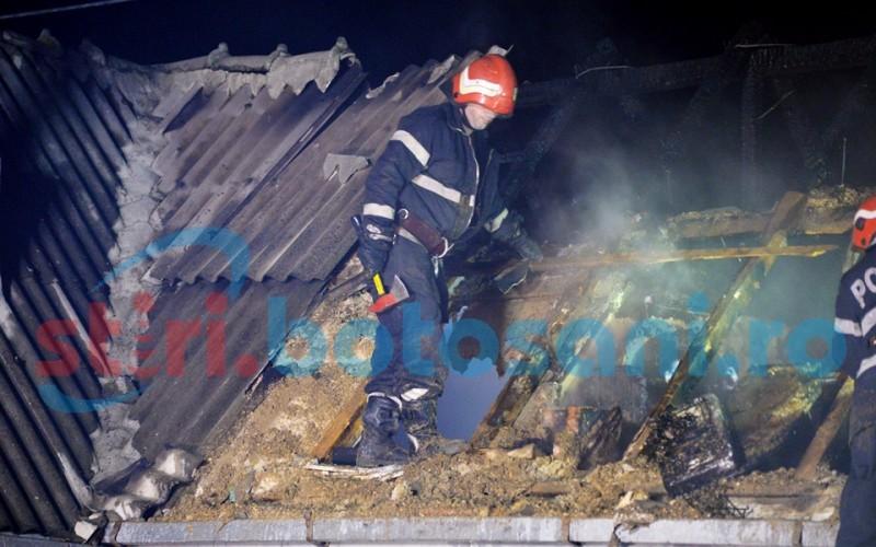 Cinci case distruse după ce au fost cuprinse de foc!