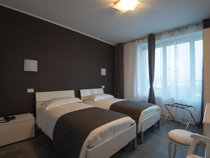 Cinci hoteluri din Botoșani, care au găzduit carantinați, încă nu și-au primit banii