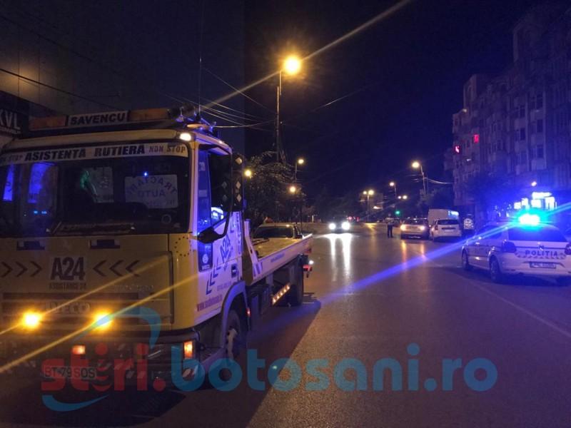 Cinci maşini făcute praf - Se întâmplă noaptea, la Botoşani FOTO