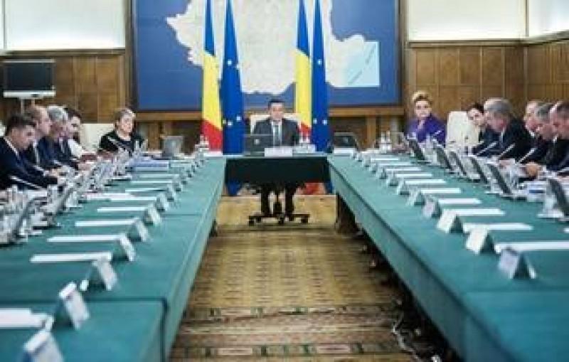 """Cinci ministri si-au retras demisiile, Petre Daea asteapta """"inspiratia de moment"""""""