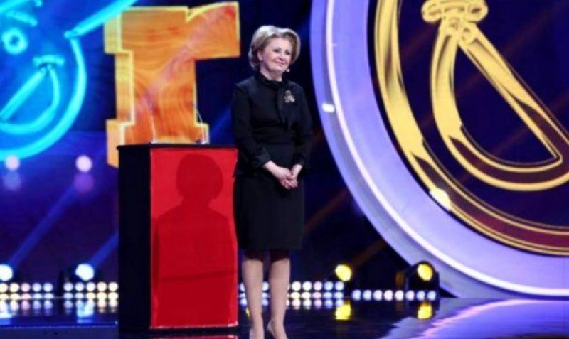 """Cine este """"dublura"""" Vioricăi Dăncilă! VIDEO"""
