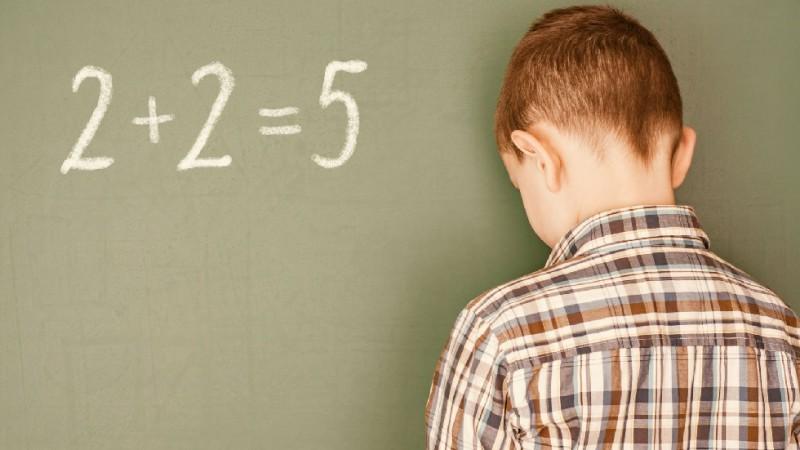 Cine ne (an)alfabetizează copiii?