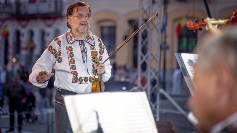 """Ciprian Potoroacă, fost dirijor al Rapsozilor: """"Eu am construit jumătatea mea de pod"""""""