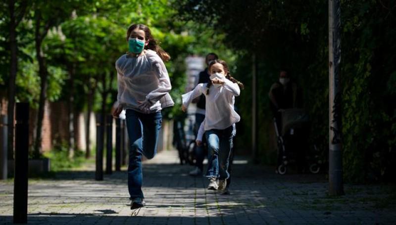 Circulația persoanelor în grupuri mai mari de 3 persoane care nu aparțin aceleiași familii, interzisă pe perioada stării de alertă