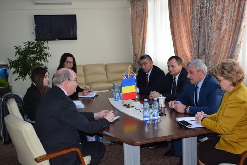 Ambasadorul Marii Britanii s-a întâlnit şi cu şefii Consiliului Judeţean - FOTO