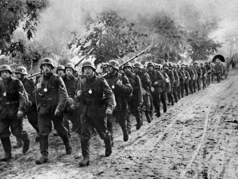 CLIPUL ZILEI: Imagini-document - Intrarea Armatei Roşii în Botoșani, martie 1944