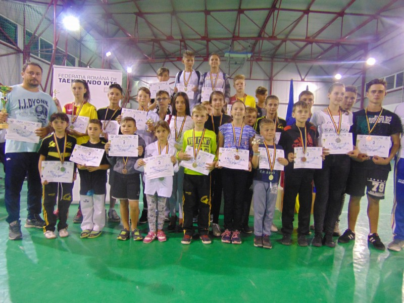 Clubul Sportiv Real Taekwondo Team Botoșani, 27 de medalii și 3 trofee la Cupa Hârșova la taekwondo WTF! FOTO