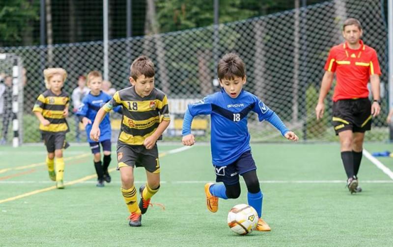 Cluburile sportive de copii pot reîncepe pregătirea fizică, dar în grupuri de câte trei