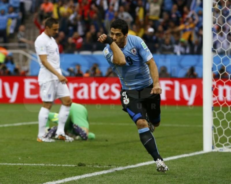 CM: Luis Suarez păstrează speranţele uruguayenilor, dupa 2-1 cu Anglia - VIDEO