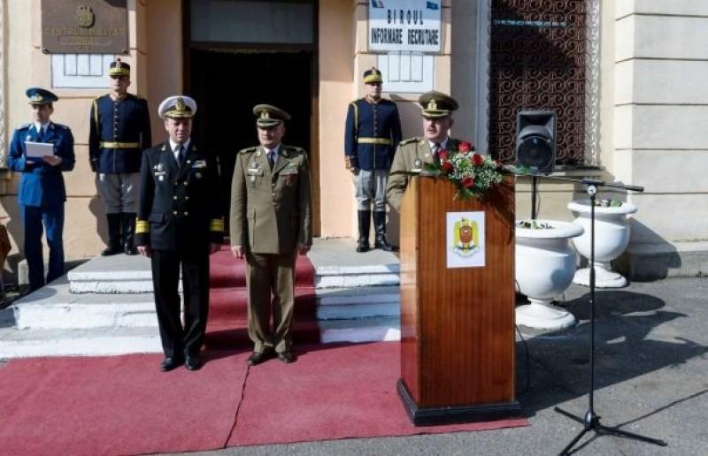 Comandantul Centrului Militar Zonal, originar din Botoşani, a ieşit la pensie