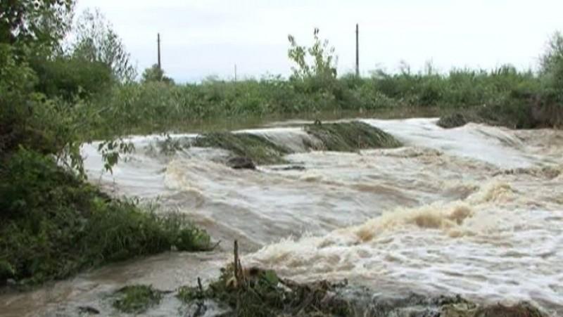 Cod portocaliu de inundaţii pe râurile din județul Botoșani!