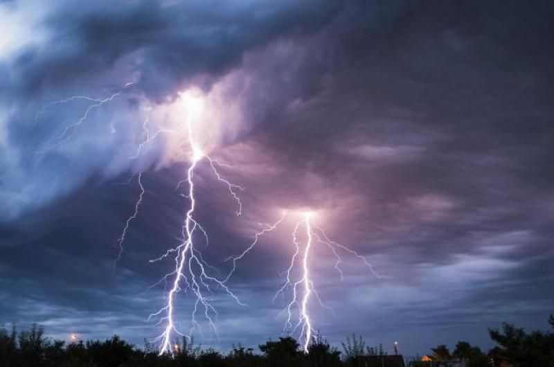 COD PORTOCALIU de ploi, vijelii și grindină, în mai multe localități din județul Botoșani!
