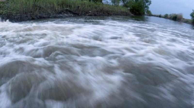 Cod roșu de inundații prelungit pentru sectorul Stânca-Costești