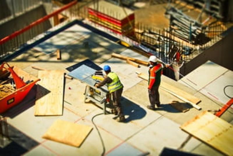 Codul Fiscal a fost actualizat cu Ordonanța Teodorovici. Angajații din construcții nu mai contribuie la Pilonul II