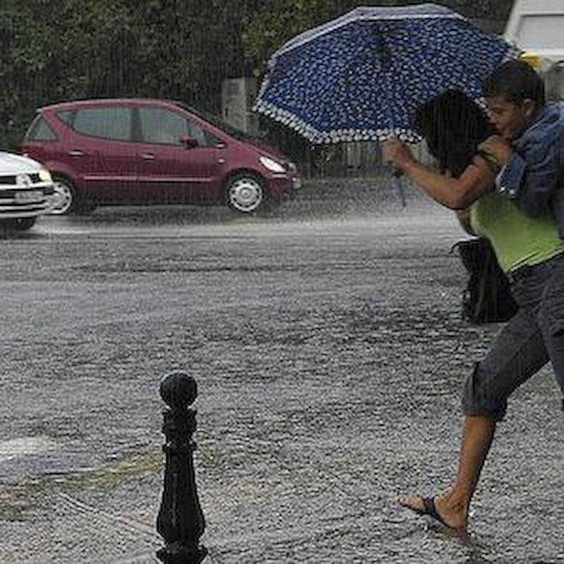 Codul galben de inundatii, prelungit pana marti!