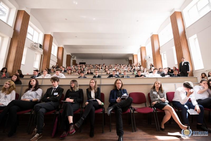 Colegiul Național A.T. Laurian organizează conferința internațională BTMUN, aflată la a cincea ediţie!
