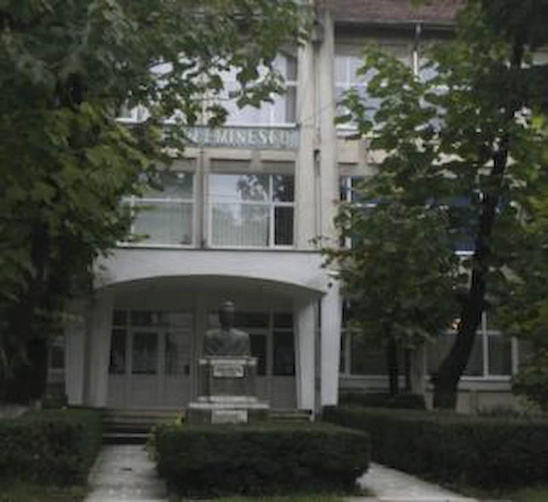 """Colegiul National """"Mihai Eminescu"""" incepe inscrierile pentru clasa a V-a!"""
