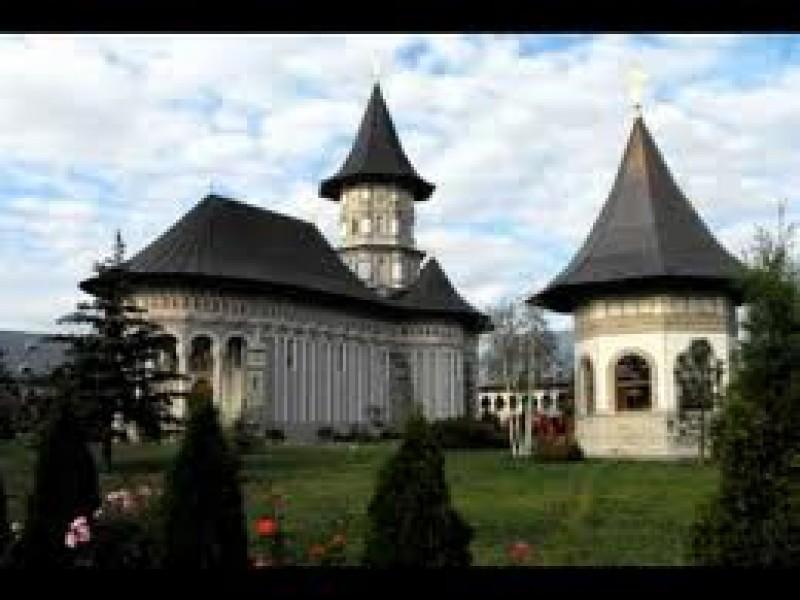 COLIND: Din cer senin - Corul Maicilor de la Mănăstirea Cămârzani VIDEO