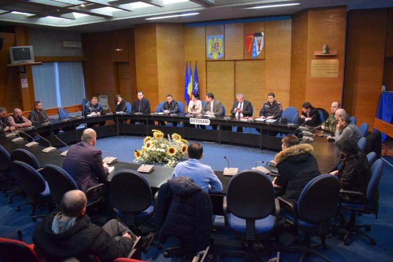 Comitet pentru Situaţii de Urgenţă convocat de conducerea judeţului. Trei sectoare de drum naţional afectate
