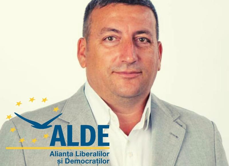 Comunicat Bogdan Dăscălescu (ALDE): Dacă Parlamentul ar înființa o instituție finanțată cu fonduri de la bugetul de stat, ministrul Transporturilor, dl. Cătălin Drulă (USRPLUS) ar fi membru cu drepturi depline al Academiei de Alba-Neagra