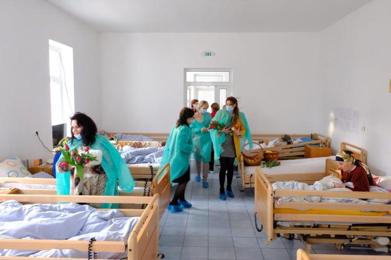 Comunicat de presă OFSD: Doamnele din PSD Botoșani au oferit mărțișoare unor femei speciale