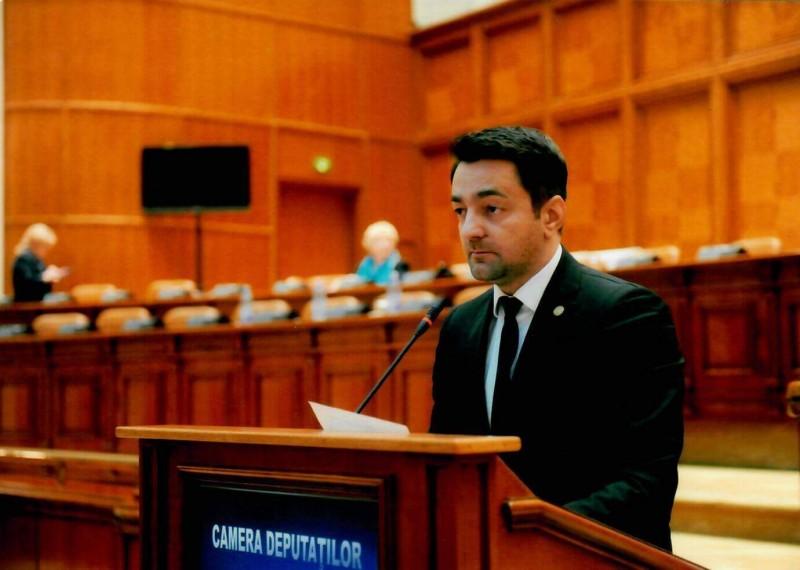 Comunicat - Deputatul botoșănean Răzvan Rotaru va organiza dezbateri la Parlament pentru promovarea intereselor tinerilor