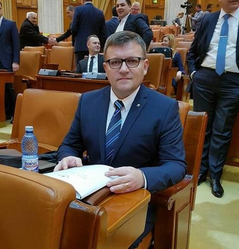 """COMUNICAT - Deputatul Marius Budăi: 'Interdicția cumulării pensiei cu salariul în cazul pensionărilor anticipate creează deservicii în economie"""""""
