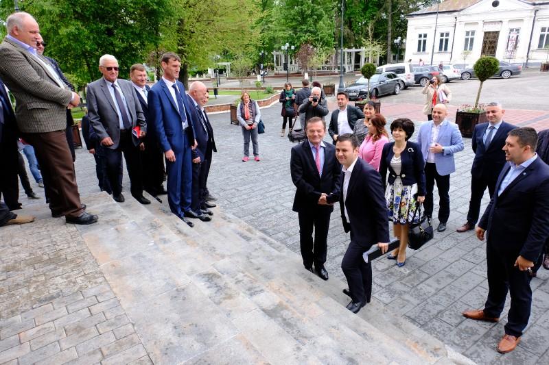 COMUNICAT: Dorohoi continuă să se dezvolte cu PSD la Guvernare!