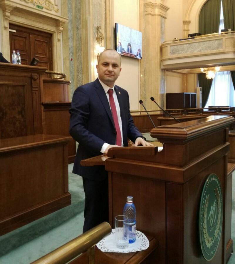 """COMUNICAT - Lucian Trufin: """"Guvernul acordă sprijin de 11 milioane de euro pentru micii producători de lapte"""""""