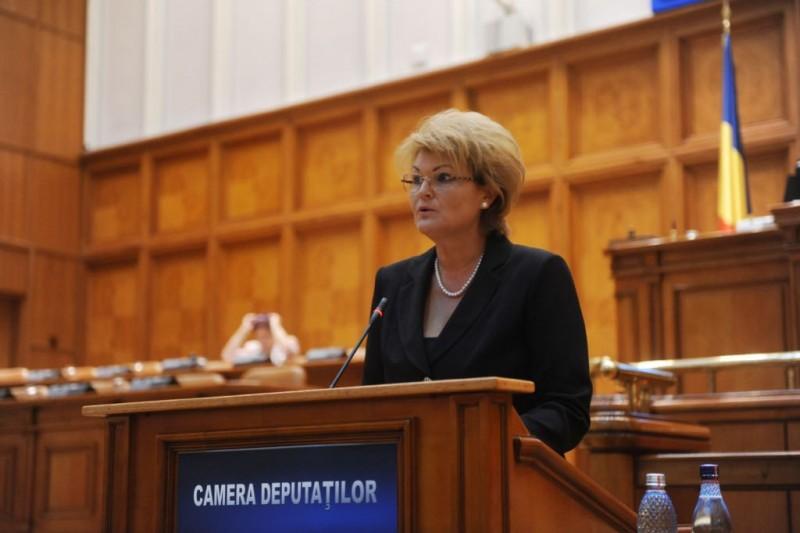 """Comunicat - Mihaela Huncă, despre moțiunea pe educație a PNL: """"O parte din semnatarii moțiunii sunt cei care în 2010 au susținut în Parlament tăierea cu 25% a salariilor din învățământ"""""""